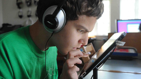 Autistic high school student using iPad and Bookshare